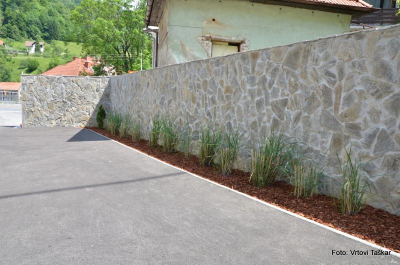 Druzinski-vrtovi-Kamniti-atrijski-vrt_9