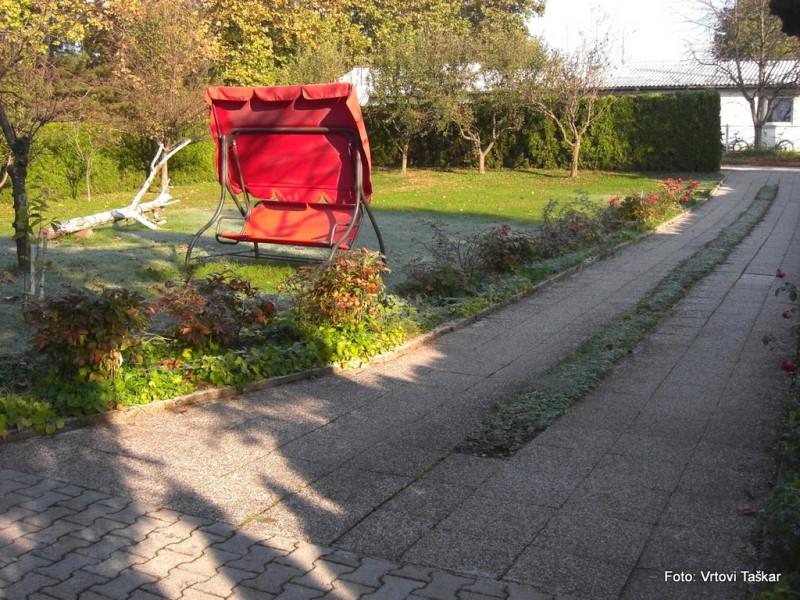 Druzinski-vrtovi-Velik-druzinski-vrt-malo-drugace_1
