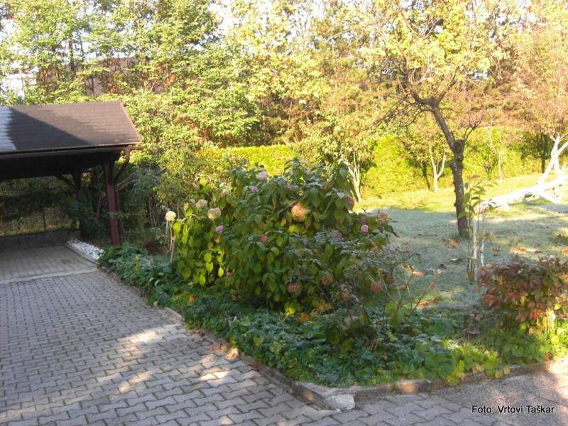 Druzinski-vrtovi-Velik-druzinski-vrt-malo-drugace_2